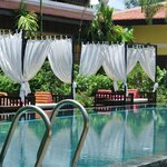 Lovely resting areas around the pool