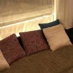 双人床房-舒适窗台区