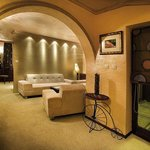 LUX apartment-tv,air-conditioner,wi-fi,room serv.,shower cabin with massager,balkony,garments cl