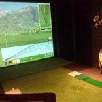 Indoor golf range