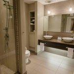 Rainfall shower & double vessel sinks in ensuite bathroom
