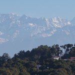 ヒマラヤ山脈に囲まれたリゾートホテル