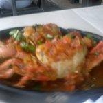 Caranguejo ao molho de Tomate, Coentro e Pimentão!!