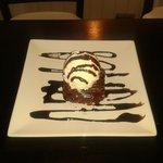 """Brownie de chocolate con helado de vainilla """"Buenisimo"""""""