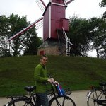 free bike rental- 5 minute ride to windmills