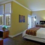 Premium Atrium Room