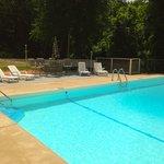 Lakeshore Pool