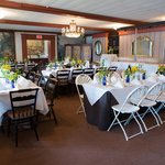 Banquet Room - photo credit Kate Fine Art Photography