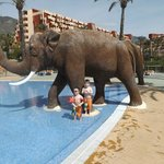 little ones in pool at beach club