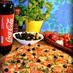 "16"" Mavericks Pizza"