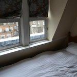 Paisaje londinese desde la ventanita: bien
