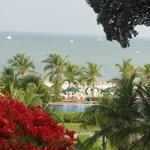 Vista del mar desde lo alto del hotel