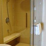 스위트룸 샤워부스