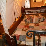 Old Western Suite Wagon Bed