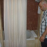 Large Shower/bathtub