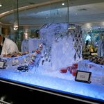 I took this pictures of the superbe buffet with the ice sculptures