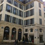 L'hôtel vu de la place de l'Odéon