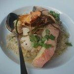 Salmon en salsa de ostiones