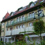 Hotel Kalma***superior is located in the peaceful heart of Heviz minutes from the Thermal Lake