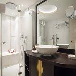 Deluxe Room Bathroom Hammam Concept