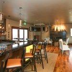 Amazing Bar & Lounge