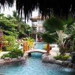 Canoa Beach Hotel grounds