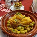 Tajine de poulet citron confit et olives