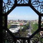 Вид на город из первого зала