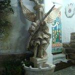 Estátua no corredor da entrada