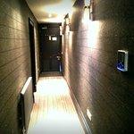 Luxury Room - Hall Way