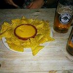 Nachos y cerveza