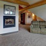 Salmon Catcher Lodge Photo