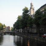ライデン大学近くの運河