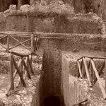 Tomba Ildebranda: il dromos (corridoio) di accesso alla sala sotterranea