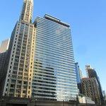 Vista del hotel desde Chicago River