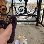 Утренний вид с балкона