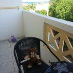 Tout le monde profite du balcon !!