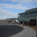 Hochbahn-Verbindung Flughafen Hotel ALT