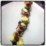 Polpo con patate,punte d'asparagi,uovo di quaglia e mirtilli!!