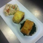 Trio de bacalao: A la crema de ajos tiermos con cama de humus, al capricho, y con fondo ....