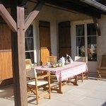un petit dejeuner en terrasse