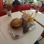 صورة فوتوغرافية لـ Steak 'n Shake Cannes