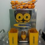 máquina para exprimirte tú mismo el zumito de naranja