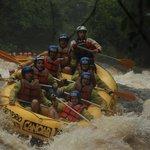 Rafting com o guia Thiago - Território Selvagem Canoar