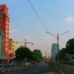 Sule Pagoda Road