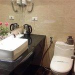 bathroom Twin Deluxe room