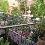 Une terrasse toute en fleurs et en parfums...