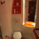 Banheiro pequeno mais limpo