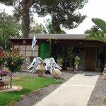 l'entrée du kibbutz-hôtel