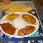 poulet au massala et rougail de boeuf